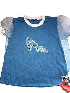 Camiseta com Capa Cinderela