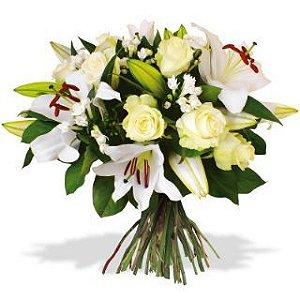 Buquê de Lírios e Rosas Brancas