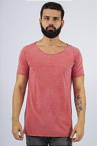 Camiseta Gola Canoa Vermelha Estonada