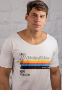 Camiseta Gola Canoa Branca Legalize Melanin