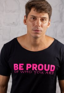 Camiseta Gola Canoa Preta Be Proud