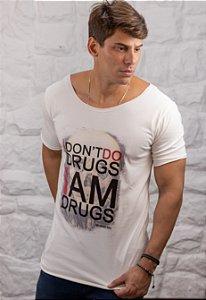 Camiseta Gola Canoa Branca I'm Drugs