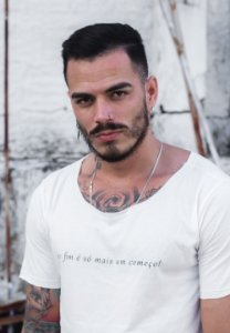 Camiseta Canoa Off White Recomeço