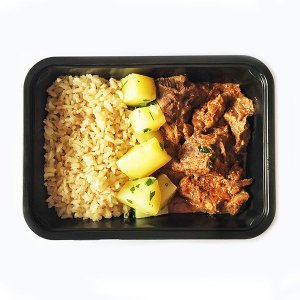 Carne de panela com batatas e arroz integral