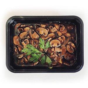 Creme de batata Baroa e cogumelos tostados ao molho de vinho - vegano
