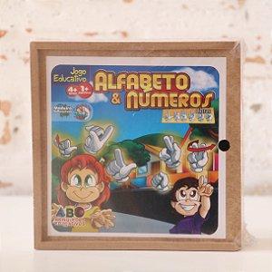 Alfabeto e Números em Libras