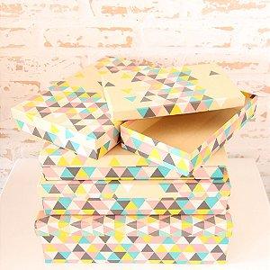 Caixa de presente - retangular baixa de Kraft Triângulo Colorido ( 1 unidade 30 x 29 x 12cm)