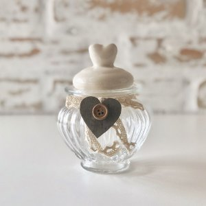 Pote de vidro com tampa cerâmica - Coração