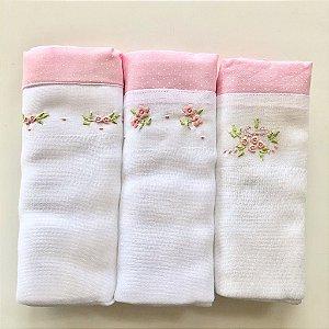 Kit com 3 fraldas - flores - barrado poá rosa
