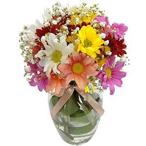 Arranjo Camponesa - Flores coloridas no Vaso de vidro