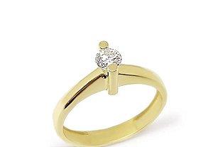 Anel solitário em ouro com diamantes