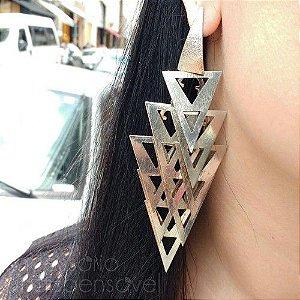 Maxi Brinco Triângulos Grande Prateado