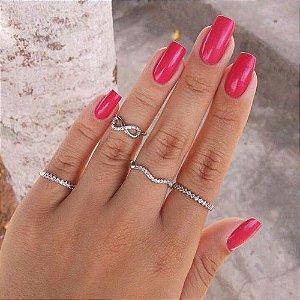 Kit Com 4 Anéis Finos Prateados Infinity Zircônia