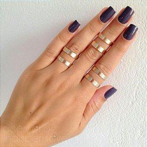 Kit com 3 Anéis Vazados  Dourados Texturizados