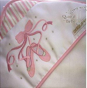 Toalha de banho com capuz e forrada (0,67 x 0,67 cm)- Bordado