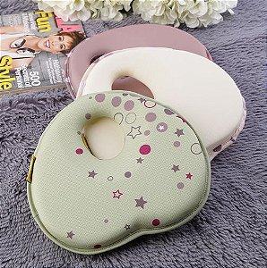 Travesseiro do bebê em formato de coração