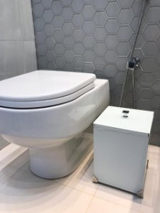 Lixeira Uniks Espelhada para Banheiro ou Lavabo