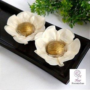 50 Forminhas Flor Primavera Papel Marfim- F012