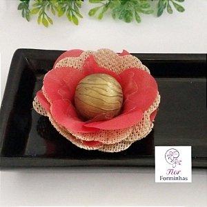 25 Forminhas Rustica Flor em Juta e Tafetá Vermelho - F027