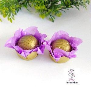 50 Forminhas Flor Camelia Base Dourada Lilas - F041