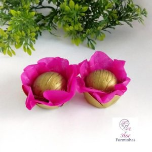 50 Forminhas Flor Camelia Base Dourada Pink - F041
