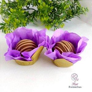 50 Forminhas Flor Primavera Base Dourada G Lilas- F037