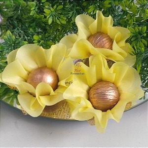 25 Forminhas Flor Primavera Amarelo Claro F016
