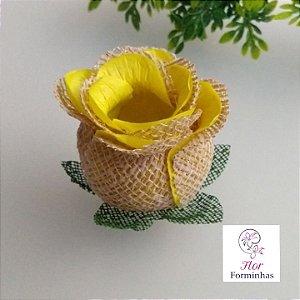 25 Forminhas para doces Flor Botão Rosa Rústico em Juta Amarelo - F055