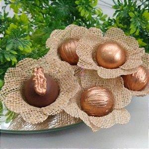 50 Forminhas Rustica Fios Dourado Flor Pessego - F013