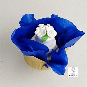 50 Forminhas Flor Primavera Base Dourada G Azul Escuro- F037