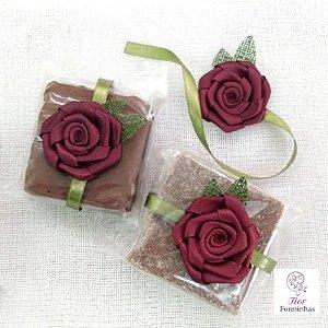 25 UN Flor em Cetim para Bem Casado Lembrancinhas Marsala- B011