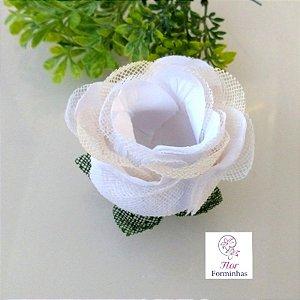 20 Forminhas para doces Flor Botão Rosa Super Luxo Branco com Marfim - F060