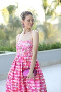 Vestido de Festa Rosa Estampado Curto Tomara que caia kyara