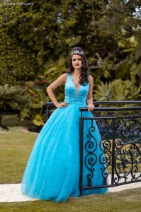 Vestido de Festa Debutante Azul Longo Bordado Celeste Aluguel