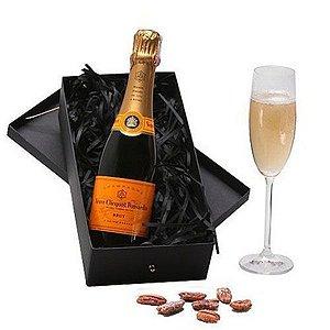 Kit Champanhe Veuve Clicquot 375ml com Taça Cristal