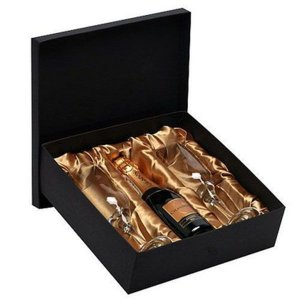 Kit Espumante Chandon Baby Brut 187ml com 2 Taças