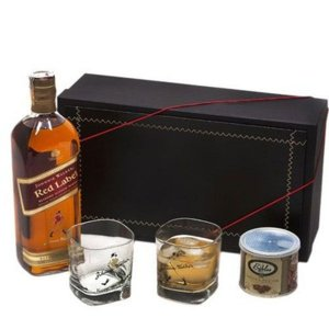 Kit Whisky Johnnie Walker Red Label 1 Litro com Copos e Castanhas