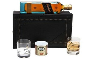 Kit Whisky Johnnie Walker Blue Label 750ml Copos Cristal e  Castanhas