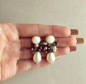 Brinco Cacho Madre Pérola com Pedras Naturais Jade, Esmeralda, Rubelita, Safira e Pérola Shell Dourado