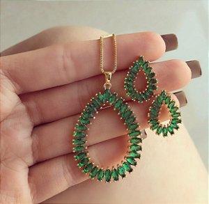 Conjunto Maxi Gota Navetes de Zircônias Verde Esmeralda Dourado