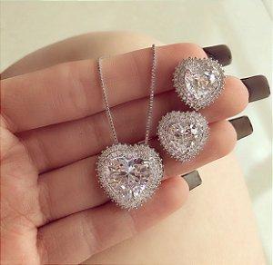 Conjunto Luxuoso Coração Mil Zircônias Diamond Ródio Branco