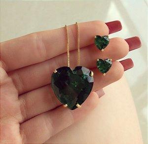 Conjunto Luxuoso Coração Pedra Fusion Verde Esmeralda Dourado