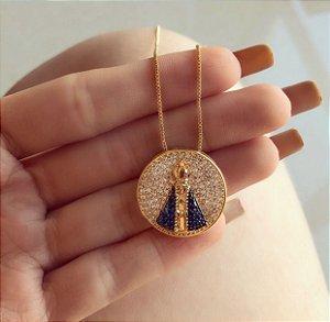 Corrente Mandala Redonda Nossa Senhora Com Mil Zircônias Diamond e Azul Dourado