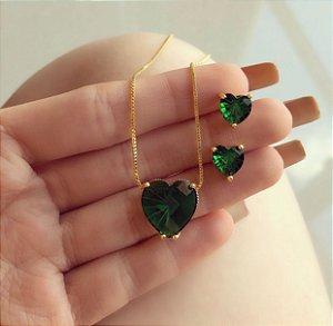 Conjunto Coração Pequeno Pedra Raiada Verde Esmeralda Dourado