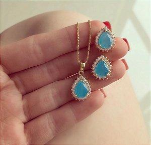 Conjunto Gota Zircônia Leitosa Azul Claro com Zircônias Diamond Dourado