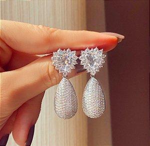 Brinco Noronha Coração de Cristal Diamond e Mil Zircônias Diamond Ródio Branco