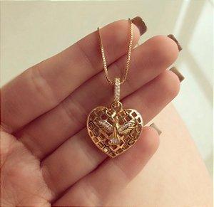 Corrente Coração com Espírito Santo de Zircônias Diamond Dourado