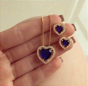 Conjunto Coração Cristal Azul Marinho e Mil Zircônias Diamond Dourado