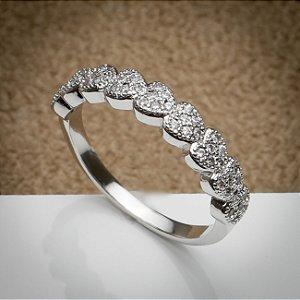 Anel Luxuoso Micro Corações Zircônias Diamond Ródio Branco