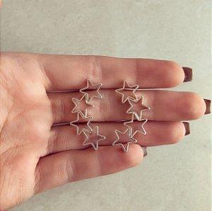 Brinco Estrelas Vazadas Banhado a Prata